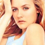 Alicia Silverstone Bra Size, Age, Weight, Height, Measurements