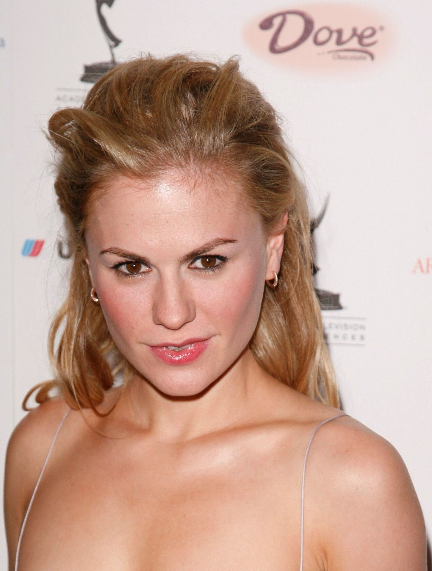 Anna Paquin Bra Size, Age, Weight, Height, Measurements ... Anna Paquin Age