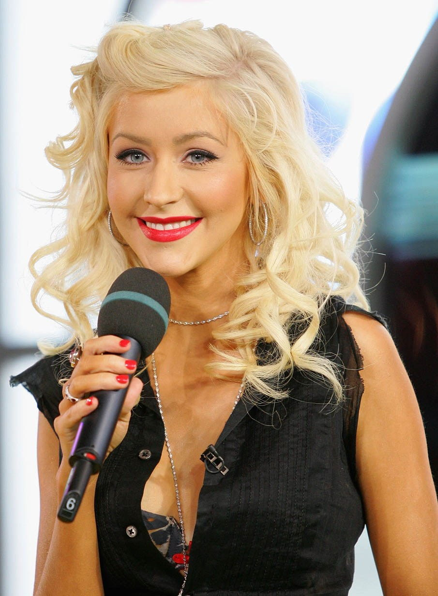 Christina Aguilera Age In Burlesque >> Christina Aguilera Bra Size, Age, Weight, Height, Measurements - Celebrity Sizes