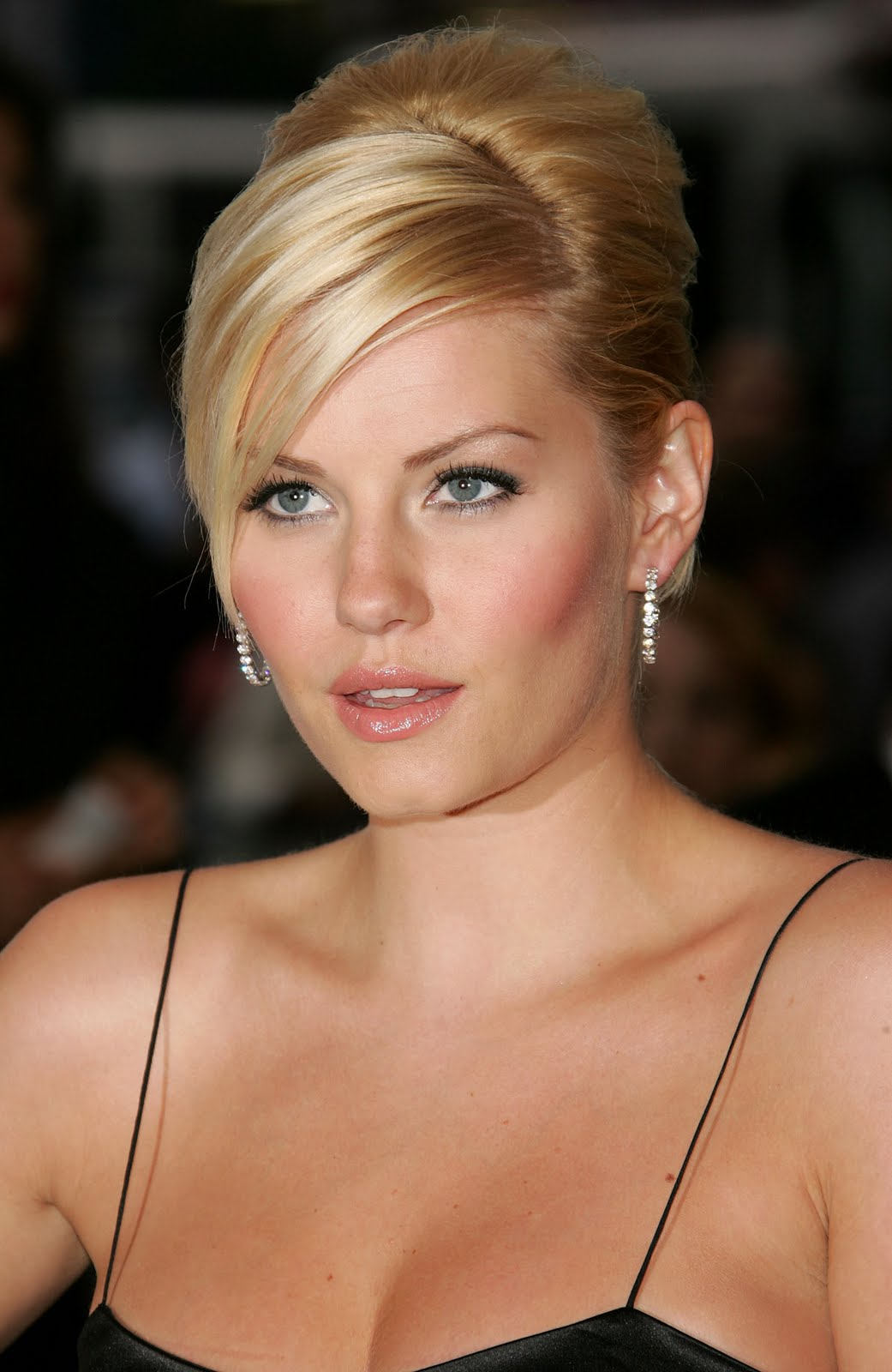 Elisha Cuthbert Latest Photos: Elisha Cuthbert Bra Size, Age, Weight, Height