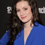 Aleksa Palladino Bra Size, Age, Weight, Height, Measurements