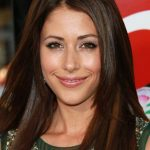 Amanda Crew Bra Size, Age, Weight, Height, Measurements