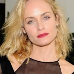 Amber Valletta Bra Size, Age, Weight, Height, Measurements