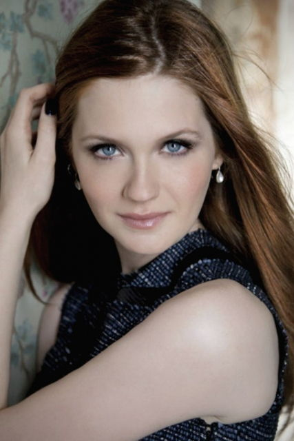 Bonnie Wright Bra Size, Age, Weight, Height, Measurements ... Rupert Grint Biography