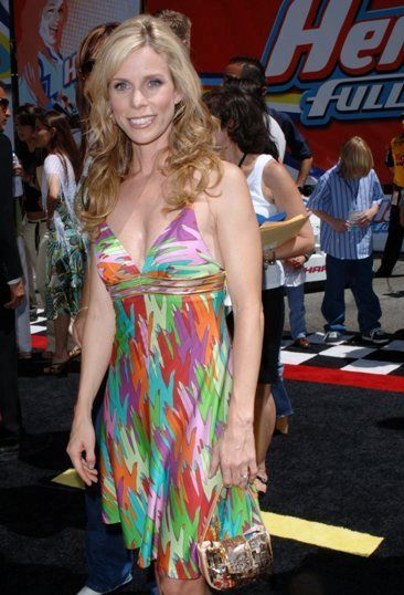 Cheryl Hines Bra Size Age Weight Height Measurements