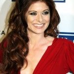 Debra Messing Bra Size, Age, Weight, Height, Measurements