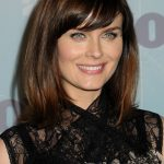 Emily Deschanel Bra Size, Age, Weight, Height, Measurements