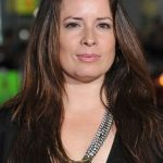 Holly Marie Combs Bra Size, Age, Weight, Height, Measurements