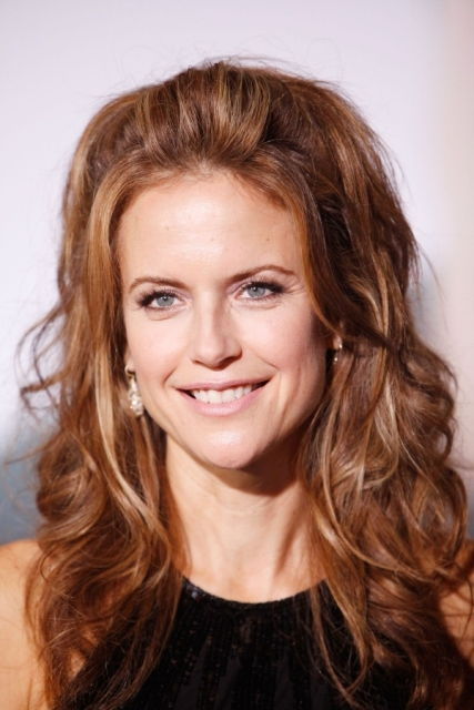 Kelly Preston Bra Size, Age, Weight, Height, Measurements - Celebrity ...