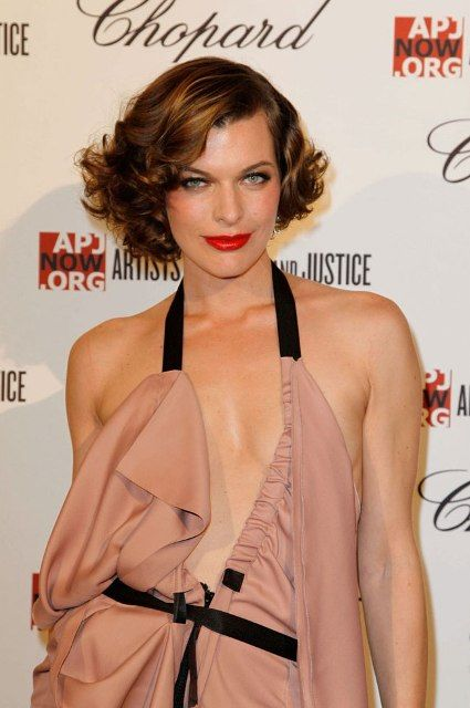 Milla Jovovich Bra Size Age Weight Height Measurements