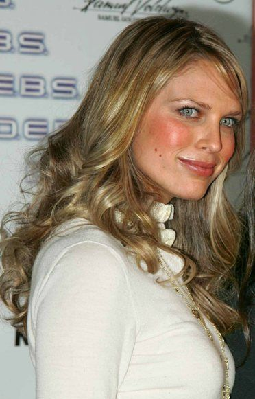 sara foster bra size  age  weight  height  measurements