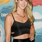 Emily Bett Rickards Bra Size, Age, Weight, Height, Measuremnents