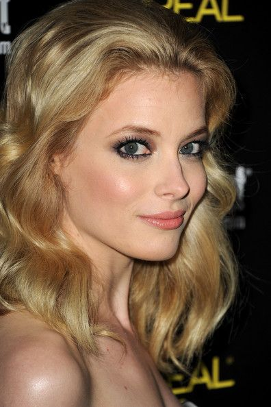 Gillian Jacobs Gillian Jacobs Bra Size, Age, Weight, Height, Measurements