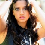 Samantha Logan Bra Size, Age, Weight, Height, Measurements