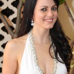 Yana Gupta Bra Size, Age, Weight, Height, Measurements