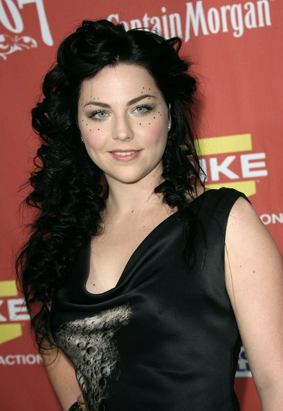 Amy Lee Amy Lee Bra Size, Age, Weight, Height, Measurements