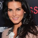 Angie Harmon Bra Size, Age, Weight, Height, Measurements