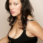 Jennifer Tilly Bra Size, Age, Weight, Height, Measurements