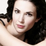 Laura Mennell Bra Size, Age, Weight, Height, Measurements