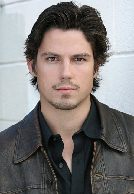 Sean Faris Age, Weight, Height, Measurements - Celebrity Sizes