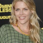 Busy Philipps Bra Size, Age, Weight, Height, Measurements