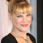 Kristen Johnston Bra Size, Age, Weight, Height, Measurements
