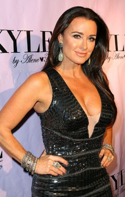 Kyle Richards Bra Size, Age, Weight, Height, Measurements