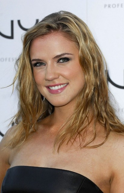 Sara Canning Bra Size Age Weight Height Measurements