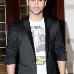 Girish Kumar Age, Weight, Height, Measurements