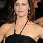 Sarah Clarke Bra Size, Age, Weight, Height, Measurements