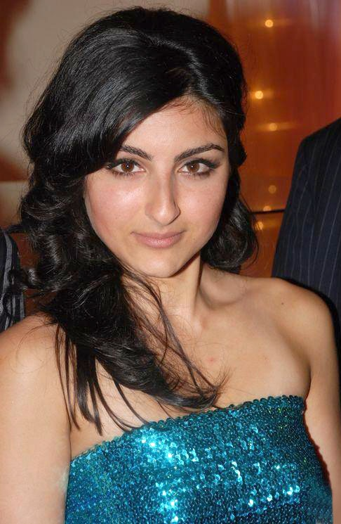 Soha Ali Khan Bra Size Age Weight Height Measurements