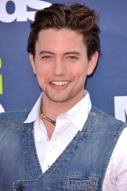 jackson rathbone age weight height measurements