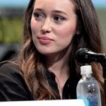 Alycia Debnam-Carey Bra Size, Age, Weight, Height, Measurements