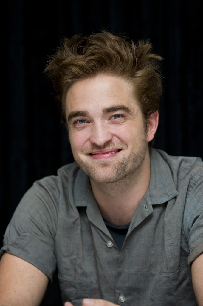 Robert Pattinson Plastic Surgery Before and After - Celebrity Sizes Robert Pattinson