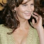 Rachel Griffiths Bra Size, Age, Weight, Height, Measurements