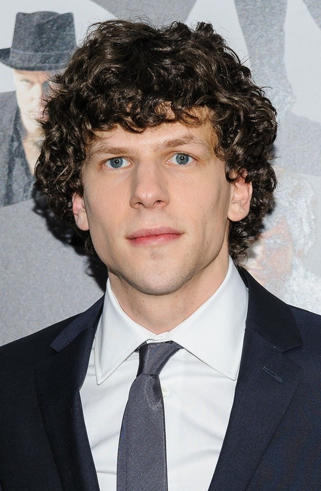 Jesse Eisenberg Net Worth - Celebrity Sizes Jesse Eisenberg