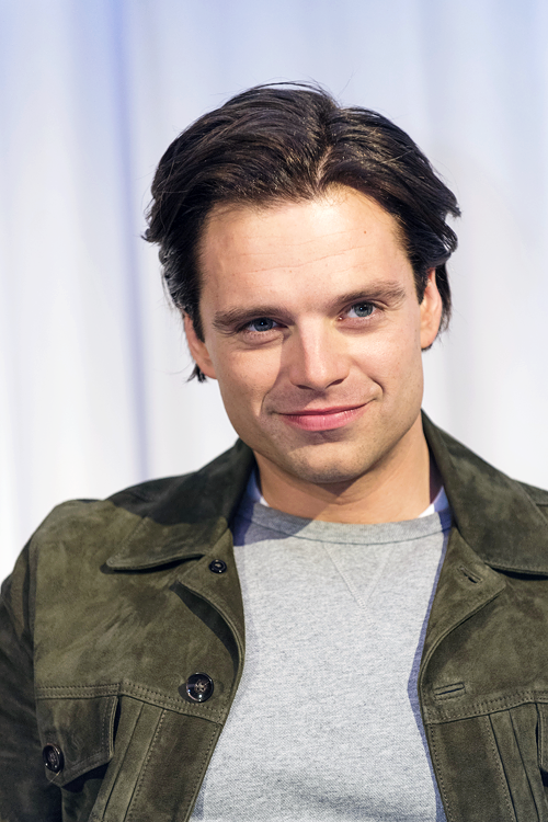 Sebastian Stan Net Worth - Celebrity Sizes