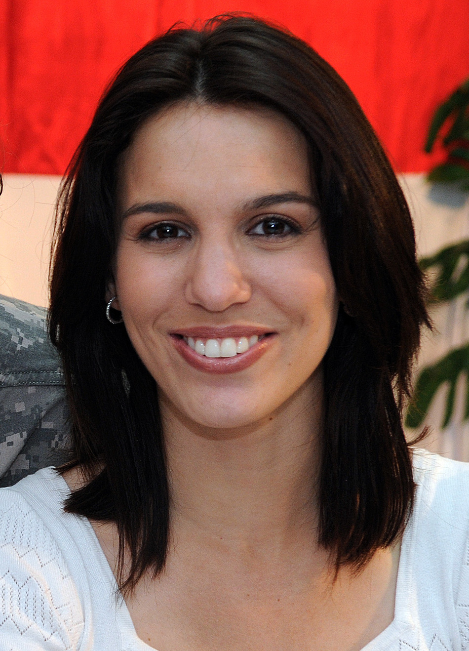 Christy Carlson Romano Net Worth - Celebrity Sizes