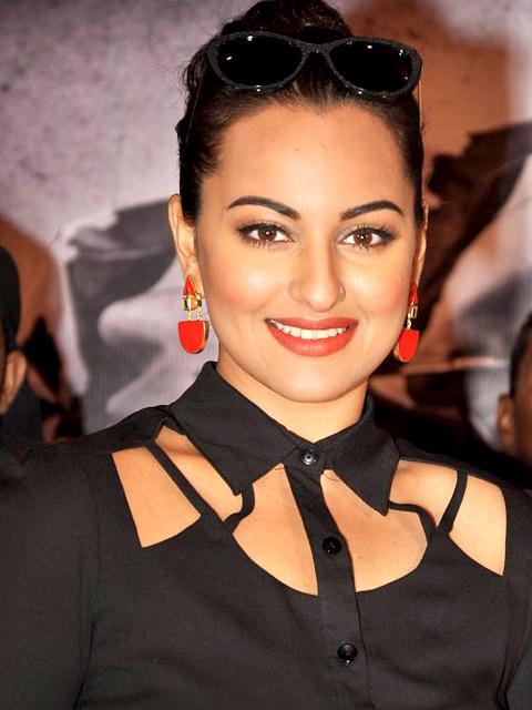 Sonakshi Sinha Net Worth Celebrity Sizes