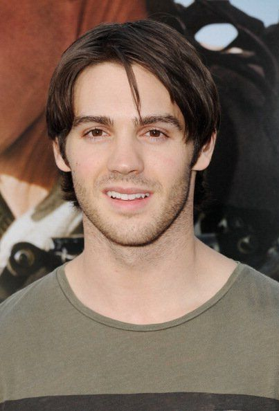 Steven R. McQueen Net Worth - Celebrity Sizes Max Irons And Jeremy Irons