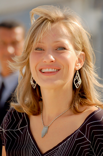 Joey Lauren Adams Net Worth - Celebrity Sizes