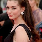 Anne Hathaway Bra Size, Age, Weight, Height, Measurements