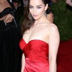 Emilia Clarke Bra Size, Age, Weight, Height, Measurements