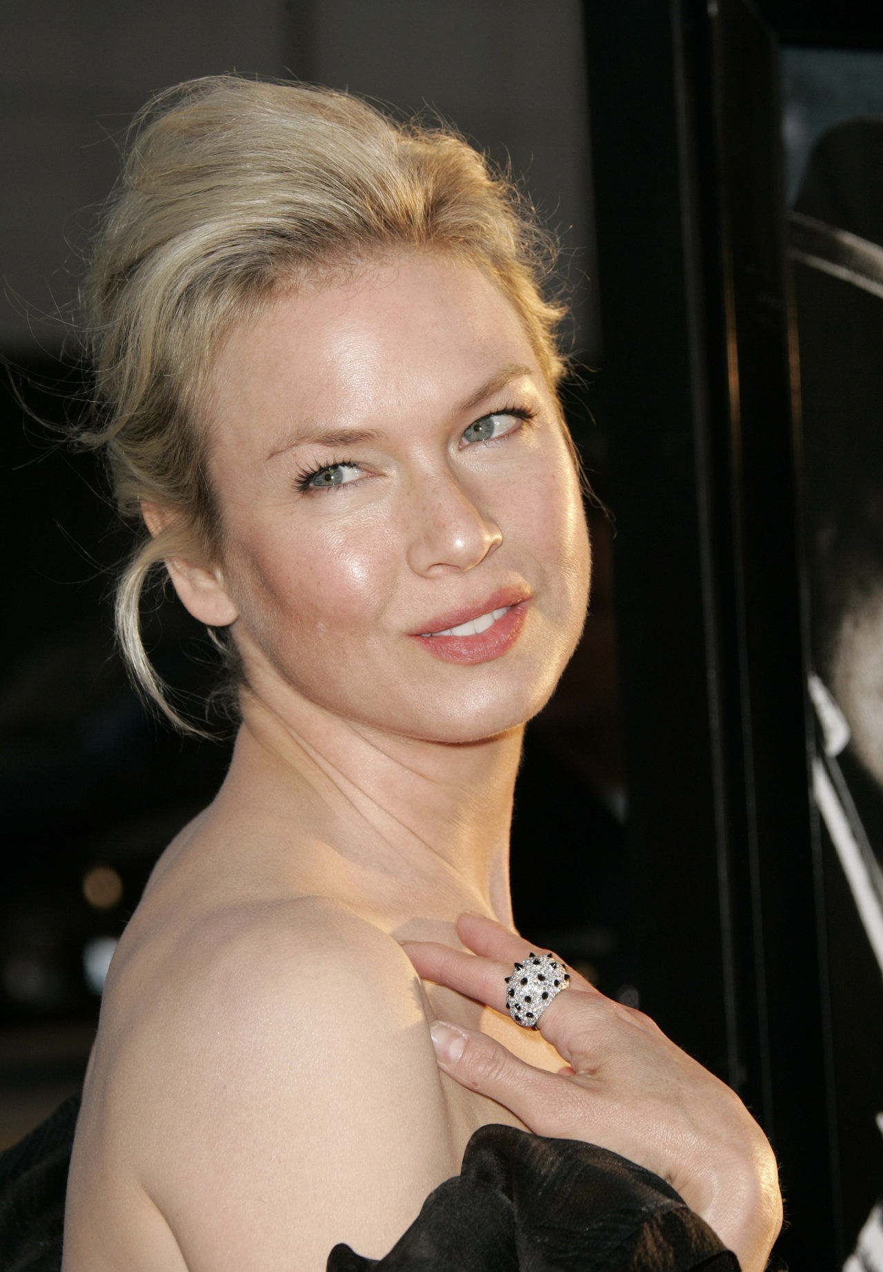 Renee Zellweger Bra Size Age Weight Height Measurements Celebrity Sizes