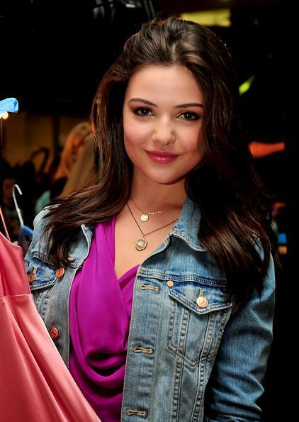 danielle campbell bra size age weight height. Black Bedroom Furniture Sets. Home Design Ideas