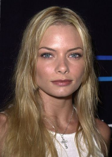 jaime pressly vs margot robbie