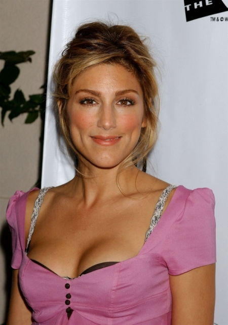 jennifer esposito bra size age weight height measurements celebrity sizes