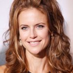 Kelly Preston Bra Size, Age, Weight, Height, Measurements