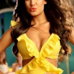 Lisa Haydon Bra Size, Age, Weight, Height, Measurements