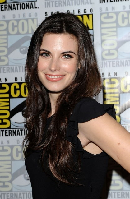 Meghan Ory Bra Size, Age, Weight, Height, Measurements ...